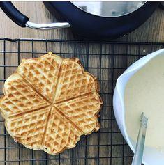 GLUTENFRIE HAVREVAFLER – Glutenfrihet Norwegian Food, Alkaline Foods, Foods With Gluten, Fodmap, Cake Cookies, Biscuits, Food And Drink, Gluten Free, Breakfast