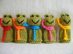 5 Little Frogs - Hand Knitted Finger Puppet Toys / Animals - NEW | eBay