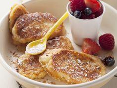 Himmlisches Frühstück für den Sonntagmorgen! Arme Ritter mit Kokos und Beeren - smarter - Zeit: 20 Min.   eatsmarter.de