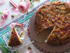 Ihanan Mehevä Raparperikeikauskakku | Annin Uunissa Muffin, Breakfast, Food, Morning Coffee, Essen, Muffins, Meals, Cupcakes, Yemek
