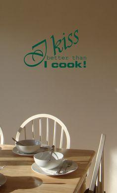 Een vrolijke muursticker die heel goed zal staan in de keuken of de eetkamer. In twee formaten en meer dan 20 kleuren verkrijgbaar.
