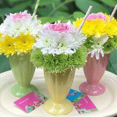 Summer Flower Arrangements, Creative Flower Arrangements, Floral Arrangements, Carnival Decorations, Diy Party Decorations, Birthday Decorations, Banquet Centerpieces, Flower Centerpieces, Deco Floral