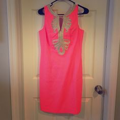 Lily Pulitzer pink shift dress Stunning pink and gold Lilly Pulitzer shift dress. Never worn size 4 Lilly Pulitzer Dresses