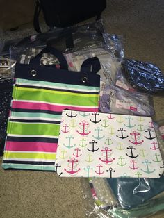 Thirty-One Essential Storage Tote & Zipper Pouch