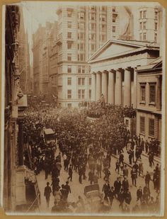 """""""Wall Street is the only place that people ride to work in a Rolls Royce to get advice from those who take the subway."""" — Warren Buffett (1930-    ) Quoted by Egbert Sukop in The Money Adventure (1998) — Image: [Or drive a Lozier to work and get advice from trolley dodgers] Crowds at Federal Hall on Wall Street during the Panic of 1907 (October 1907) — #WallStreet #financing #money #investment #WarrenBuffett #quoteoftheday"""