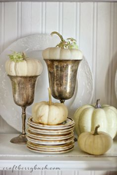 To have an additional Thanksgiving decoration indoors or outdoors, our gathered gorgeous Thanksgiving Décor Ideas is of featured natural Fall foliage and fall harvest elements. Decoration Christmas, Thanksgiving Decorations, Seasonal Decor, Thanksgiving Ideas, Halloween Decorations, Fall Home Decor, Autumn Home, Shabby, Decoration Bedroom