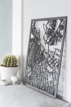 Een unieke citymap van Amsterdam aan de muur? Het effect van de lasersnijder maakt van de citymap een unieke eyecatcher, een must-have voor jouw interieur!
