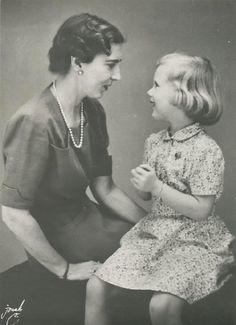Queen Ingrid with her eldest daughter Margareth