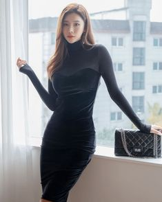 Looking for a good guy! Hot Outfits, Classy Outfits, Fashion Outfits, Fashion Blogs, Asian Woman, Asian Girl, Before Wedding, Beautiful Girl Image, Asian Fashion