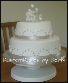 wedding anniversary cake, but in red and white