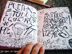 Mais uma foto de Eu Me Chamo Antonio: dentro do livro é uma lindeza e uma confusão: de palavras e sentimentos.