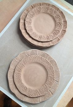 Bone dry plates ready to be bisque fired. Pottery Painting Designs, Pottery Designs, Pottery Ideas, Ceramic Tableware, Ceramic Clay, Kitchenware, Pottery Plates, Ceramic Pottery, Clay Plates