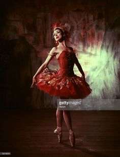 English ballerina Margot Fonteyn (1919 - 1991) formerly Margaret Hookham, performs in the ballet 'The Firebird'.