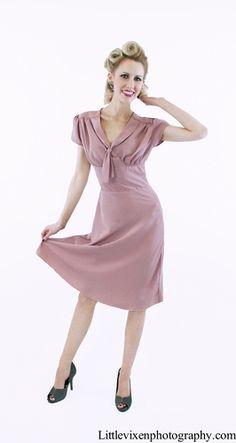I believe in pink! Dusty pink 40s style dress. #queenofheartz #vintage $130