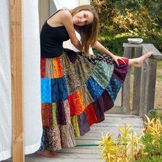 Womens Long Patchwork Skirt 4 tiers handmade by urbanprairiegirl ~ love the idea! Skirt Outfits, Chic Outfits, Dress Skirt, Hippie Skirts, Boho Skirts, Hippie Outfits, Estilo Hippie, Hippie Boho, Diy Fashion