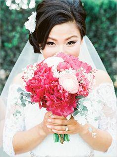 pink bridal bouquet @weddingchicks