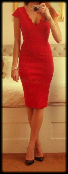 Sexy red dress. Want :)