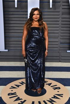 Mindy Kaling in Prabal Gurung at the 2018 Vanity Fair Oscars Party Roger Vivier, Rashida Jones, Naomi Campbell, Oscar Verleihung, Oscars Red Carpet Dresses, Valentino, Stylish Petite, Marine Uniform, Oscar Fashion