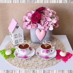 """Bir kahve içelim ☕️☕️ @melekkaradenizz #coffee #cafe #instacoffee #TagsForLikes.com #cafelife #caffeine #hot #mug #drink #coffeeaddict #coffeegram…"""
