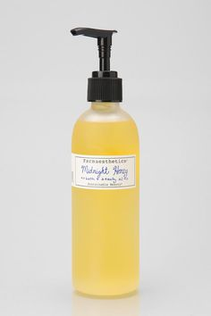 Sweet-scented bath and body oil, perfect to use in the bath or after a shower.