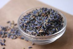 How To Make A Lavender and Coconut Milk Bath Soak
