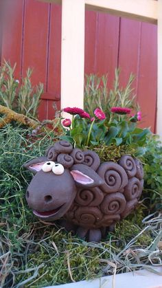 "This nice * ""black sheep"" * is ready for all kinds of services … in his back … – Air Dry Clay Ceramic Animals, Clay Animals, Ceramic Art, House Plants Decor, Plant Decor, Paper Clay, Clay Art, Clay Projects, Clay Crafts"
