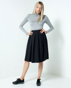 Picture of Structured Pleated Midi Skirt