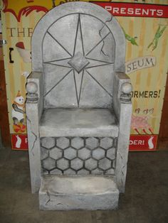 The props team at Actors Theatre of Louisville used an old scenic painter's trick to detail a stone throne.