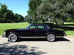1979 Cadillac Seville 2020 Ford Explorer, Toyota Corona, Cadillac Ct6, Collectible Cars, Cadillac Fleetwood, Home Team, Parking Lot, Seville, Back In The Day