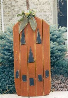 Patterns, Primitive Patterns, Wood Patterns by Weathered Treasures - Wood Projects Fall Wood Crafts, Halloween Wood Crafts, Primitive Wood Crafts, Fall Crafts For Kids, Primitive Pumpkin, Craft Stick Crafts, Fall Halloween, Primitive Christmas, Country Christmas