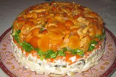 """Очень шикарный и фантастически вкусный салатик! Пальчики оближешь! """"Слоёный салат с грибами"""" Рецепт на сайте... http://vkusno-em.com/sloyonyj-salat-s-gribami/"""