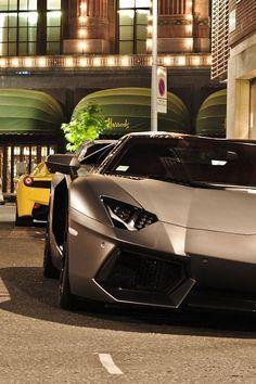 Aventador Roadster.Luxury, amazing, fast, dream, beautiful,awesome, expensive, exclusive car. Coche negro lujoso, increible, rápido, guapo, fantástico, caro, exclusivo.