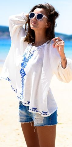 boho blue stitch embroidery top  http://rstyle.me/n/inne4pdpe