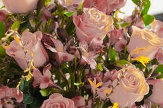 Rosas y Astromelias palo-rosa