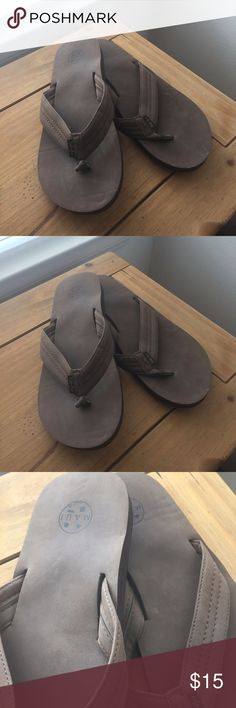 Mens Maui and Sons Brown Flip Flops Maui and Sons Brown Flip Flops   Size: 13  These flip flops are in EXCELLENT condition.  These flip flops have been worn gently, once for 10 mins still NEW!  These heels come from a smoke free and pet free home.  No Holes, Tears, Stains or Rips. Maui and Sons Shoes Sandals & Flip-Flops