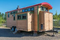 DIY Tiny House on Wheels with Expanding Slide-outs: http://tinyhousetalk.com/expanding-tiny-house-with-slide-outs-that-will-amaze-you/
