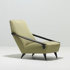 226: Gio Ponti / Distex lounge chair < Modern Design, 06 October 2011 < Auctions | Wright