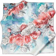 İlkbaharın tomurcuklarına eşlik etmenin en iyi yolu, ferah renklerden ve güllerden geçiyor.  ➜ http://bit.ly/esarp7577v13