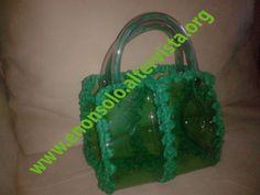 Plastica verde e filo uncinetto verde
