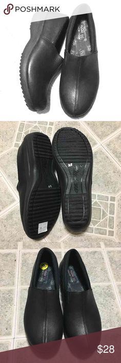 Skechers NWT black Skechers Relaxed FIT Memory Foam. Slip-on, clog type shoes. Extremely comfortable and would make great nurse shoes or for anyone on their feet a lot. I only tried them on and then found a different style that I liked better. Skechers Shoes