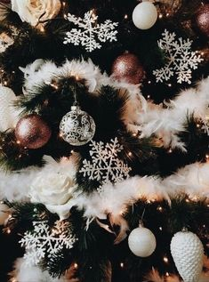 Merry Christmas to all of you.💫🎄 on We Heart It - Christmas 2020 Ideas Christmas Feeling, Christmas Time Is Here, Noel Christmas, Merry Little Christmas, Pink Christmas, Winter Christmas, Christmas Wreaths, Christmas Crafts, Christmas Decorations
