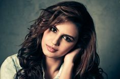 After Deepika Padukone and Priyanka Chopra, it looks like another actress has set her eyes on Hollywood. It's Huma Qureshi's turn this time! According to a bollywood online site, Huma recently auditioned to be a part of the rebooted version of The Mummy. Hindi Actress, Indian Film Actress, Indian Actresses, Bollywood News, Bollywood Actress, Pakistani Actress, Most Beautiful Women, Amazing Women, Huma Qureshi Hot
