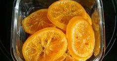 Oranges et citrons confits. Des agrumes en rondelles destinés à être travaillés en pâtisserie ou en cuisine.. La recette par Chef Simon. Chutney, Dessert Parfait, Orange Confit, French Cake, Fruits And Vegetables, Grapefruit, Cooking Tips, Sweet Tooth, Deserts