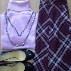 """LOFT purple plaid skirt A pretty, plaid wool-blend skirt in shades of aubergine, lavender and fushia. A-line shape, fully lined, and side zip. Size 4. Approximately 24"""" long. In excellent condition and from my smoke-free home. No trades/no Paypal. Thanks for checking out my closet! LOFT Skirts A-Line or Full"""