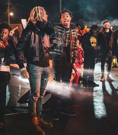Lil Baby, Baby Daddy, Dope Outfits For Guys, Male Artists, Lil Durk, Dope Wallpapers, Rap Wallpaper, Fine Boys, Twitter Quotes