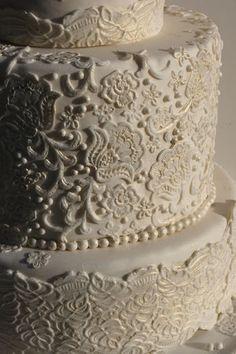 Beautiful details, lace wedding cake.