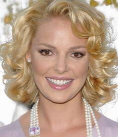 Medium Short Curly Hairstyles for Women