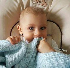 Pretty Kids, Pretty Baby, Cute Kids, Cute Babies, Blue Eyed Baby, Baby Blue, Cutest Babies Ever, Cute Baby Photos, Little Blessings