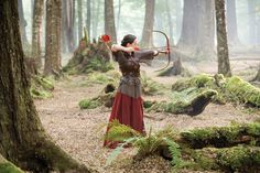 Another of Susan from The Chronicles of Narnia. I'd love to cosplay this for a convention of some kind sometime.