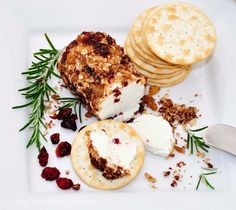 spicy cranberry goat cheese log